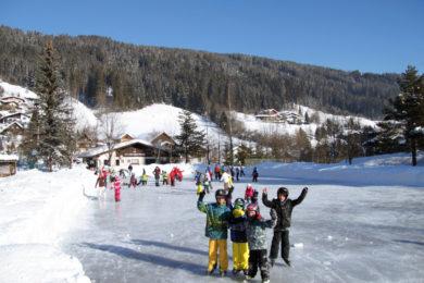 Eislaufen im Winterurlaub in Radstadt, Salzburg