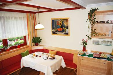 fruehstuecksraum-ferienhaus-radstadt-01