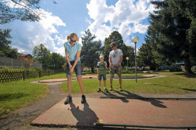 Minigolf im Sommerurlaub in Radstadt, Salzburger Land